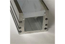 Aufbauprofil EXTRO IP67 inkl. PMMA Diffusor opal matt  H=21 B=24mm L=1000